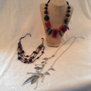 Jewelry - Lot of 3 Necklaces